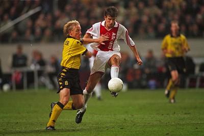 2000/01: Van der Vaart als jonkie in het allereerste Adidas-tricot. © AFC Ajax