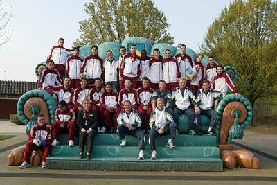 Grote kans dat je de koppies van seizoen 2003/2004 nog wel herkent! © Ajax Images