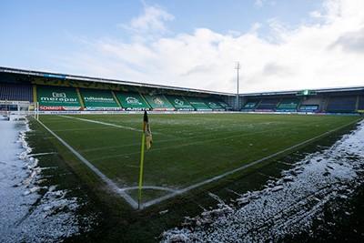 Er moest nog heel wat sneeuw worden geruimd voor het veld er zo bij lag. © Pro Shots