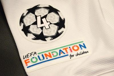 Deze badges worden tijdens de Champions League op de mouw gedrukt. © Ajax Life