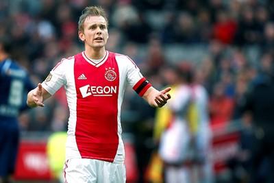 2012/13: Strak pasmodel, rare rode baan aan onderkant... © AFC Ajax