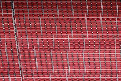 Niet één stoeltje is bezet... © De Brouwer