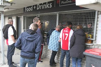 Even de dinsdagavondtrek wegwerken met een hapje en een drankje. © Ajax Life