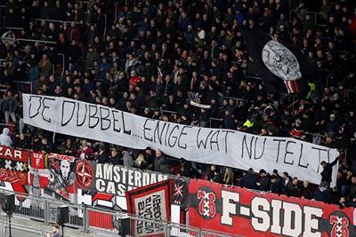 De dubbel is nog steeds het enige wat telt, maar wat maakt Ajax het zichzelf moeilijk... © Pro Shots