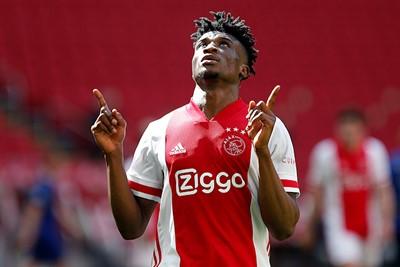 Kudus blij, Ajax blij, wij blij! © De Brouwer