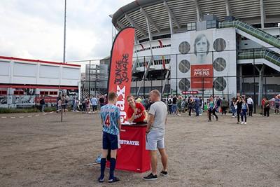 Inschrijven, onder de rook van de Johan Cruijff Arena. © De Brouwer