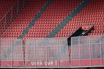 Een leeg uitvak is gewoon stom, alhoewel VVV nooit veel supporters meeneemt. © De Brouwer