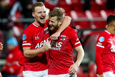 ALKMAAR , 15-12-2019 , AFAS Stadion , Dutch football , Eredivisie , season 2019 / 2020. (L-R) AZ player Dani de Wit celebrates the win with AZ player Fredrik Midtsjo after the match AZ vs Ajax