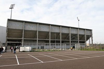 Kijk, van deze kant lijkt het tenminste nog op een stadion. © Ajax Life