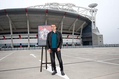 Prima foto voor in het Ajaxplakboek! © De Brouwer