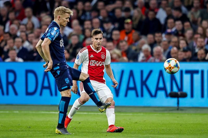 Ajax Vitesse 1200