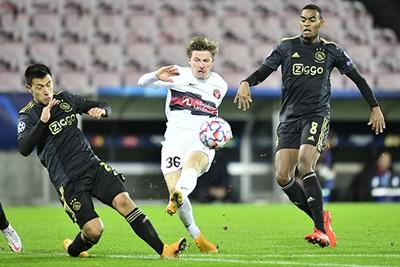 Dreyer schoot namelijk al snel de 1-2 binnen en had Ajax nog veel meer pijn kunnen doen. © Pro Shots