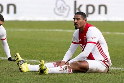 Ajax kreeg zat kansen, maar Haller had er veel nodig om tot scoren te komen. © Pro Shots