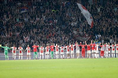 Spelers bedanken supporters en andersom. Fijne beelden. © De Brouwer