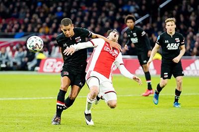 Andersom zouden we zeggen dat Ajax een penalty had versierd, toch? © Pro Shots