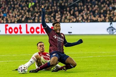 Het is niet eens de aloude voetbalwet, maar Willem II ontsnapt en dan dit... © Pro Shots