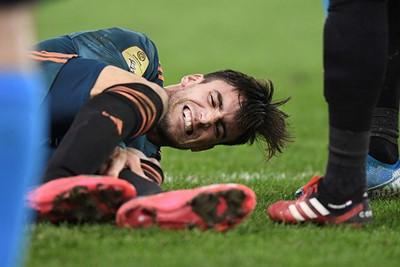 Als zelfs een Argentijn pijn heeft... Gelukkig staat hij snel weer op, Nicooooo! © Pro Shots
