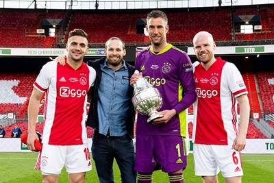 2020/21: Dit thuisshirt konden we op de redactie prima waarderen! © AFC Ajax