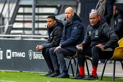 Dit trio ziet dat Ajax na de openingstreffer behoorlijk inkakt. © Pro Shots