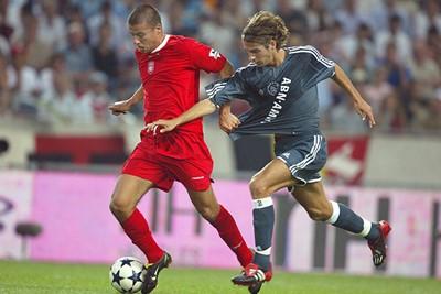 Escudé is eigenlijk ook een beetje een vergeten voetballer. © Ajax Images
