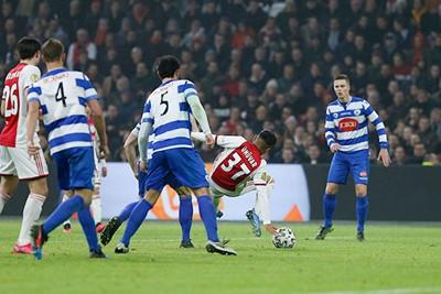 Penalty? © De Brouwer