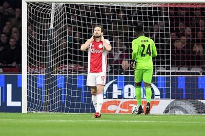 De redenen zijn bekend, maar voor de tweede keer kost Blinds fout Ajax een treffer. © Pro Shots
