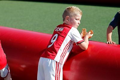 Effe koekie eten, ja toch! © De Brouwer