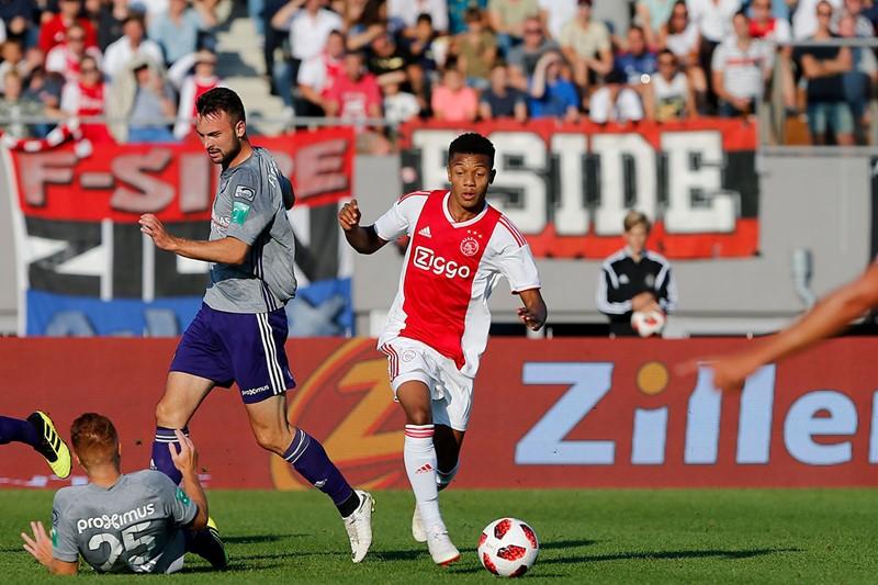 Anderlecht Neres 1200