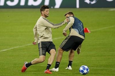 MUNCHEN, 01-10-2018, Allianz Arena, season 2018 / 2019, Champions League football. Ajax trains in Munchen in preparation of the game against Bayern. Klaas Jan Huntelaar and Max Wober
