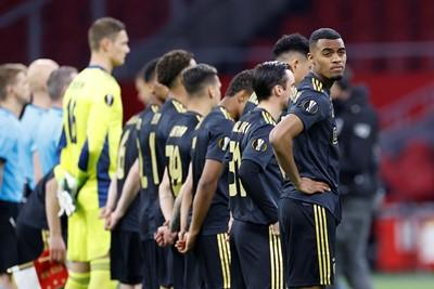 Gravenberch lijkt niet bepaald onder de indruk van de Europa League-hymne. © Pro Shots