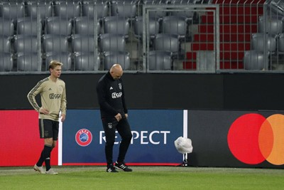 MUNCHEN, 01-10-2018, Allianz Arena, season 2018 / 2019, Champions League football. Ajax trains in Munchen in preparation of the game against Bayern. Frenkie de Jong trains alone coming back from an injury