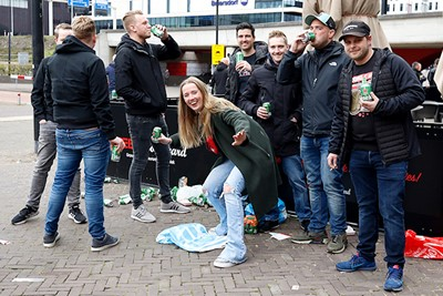 WE MOGEN WEER!!!! © De Brouwer