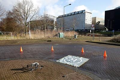 Haha, de drone van ESPN heeft een heus eigen landingsplatform! © De Brouwer