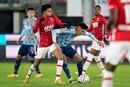 AZ-coach Jansen onder indruk van Álvarez en Martínez: 'Hoe zij duels ingaan…'