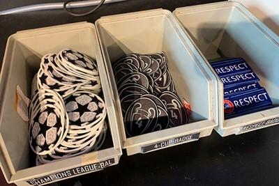 Je kunt tegen betaling je shirt aardig pimpen. © Ajax Life