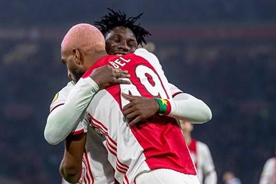 AMSTERDAM, 22-01-2020, Johan Cruijff Arena, KNVB Beker season 2019 / 2020 Player of Ajax Lassina Traore, Ryan Babel celebrates goal Lassina Traore during the game Ajax - Spakenburg