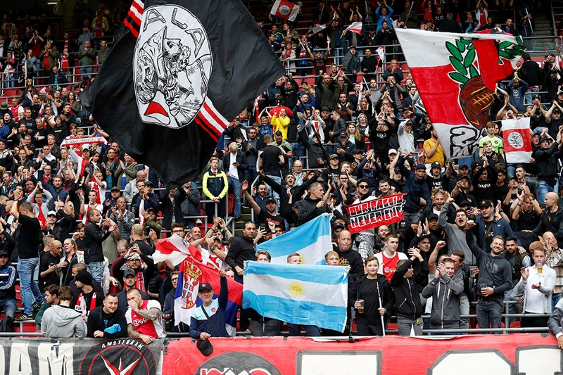 Publiek Vlaggen 1200