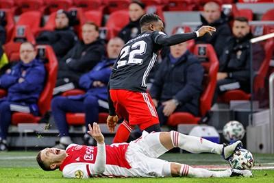 Feyenoord laat een heuse kans liggen om Ajax serieus pijn te doen... © Pro Shots