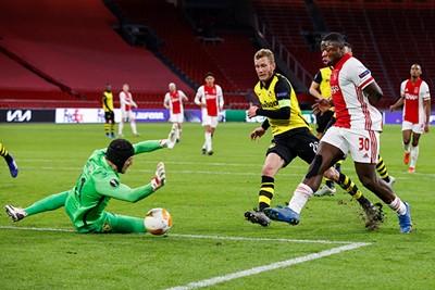 Daar is de lekkere 3-0. Hallo kwartfinale? © Pro Shots