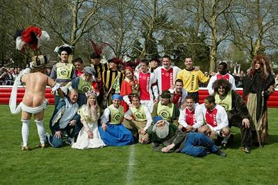 Een soort van elftalfoto, maar dan anders. © Ajax Images