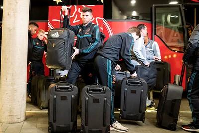 Moeten de Ajacieden eigenlijk ook bijbetalen voor al die bagage? © Pro Shots