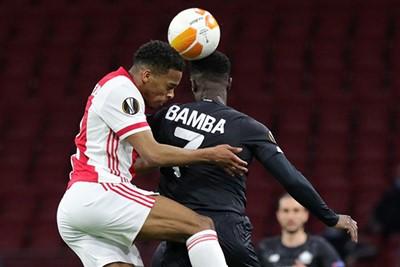 Na Rensch beleeft ook Timber diezelfde spoedcursus Europees voetbal. © Pro Shots