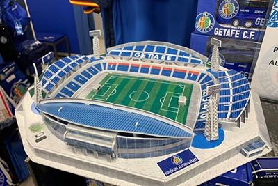 Kan onze fanshop dit van de Arena verkopen asjeblieft? © Ajax Life