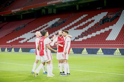 Wat hadden we Rensch een volle JC Arena gegund... © De Brouwer