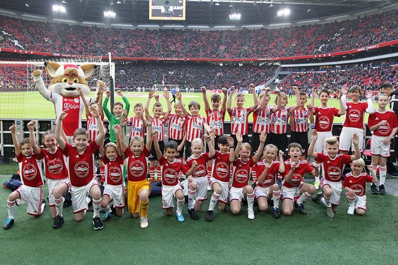 1200-Ajax-Kids-Club-mascottes