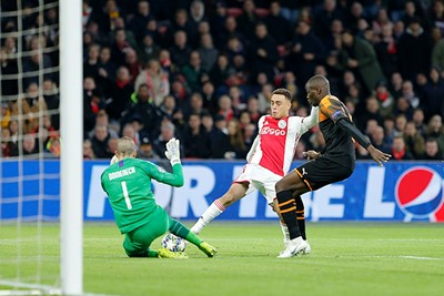 Ajax-Valencia-CL2019_56