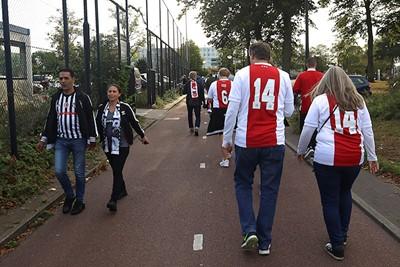 Fijne wedstrijd, ja, jullie ook. © De Brouwer