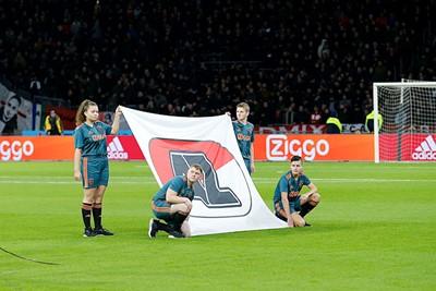 Ja, dit is het logo van de club die uiteindelijk verdiend met 0-2 won... © De Brouwer