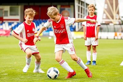 Ajax tegen eh... Ajax. © Pro Shots