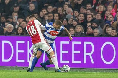 AMSTERDAM, 22-01-2020, Johan Cruijff Arena, KNVB Beker season 2019 / 2020 Player of Ajax  Razvan Marin, Player of Spakenburg Jordi Biitter during the game Ajax - Spakenburg